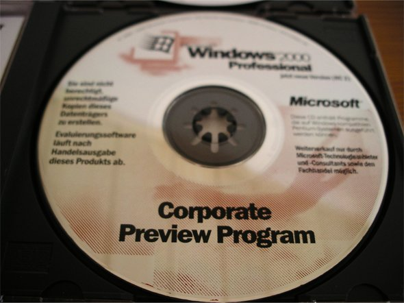 Windows 2000 Beta CD